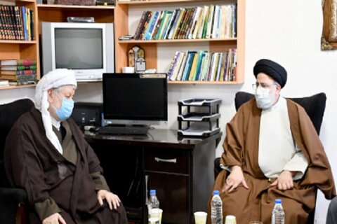 بالصور/ زيارة رئيس السلطة القضائية في إيران إلى مدينة باوه غربي البلاد