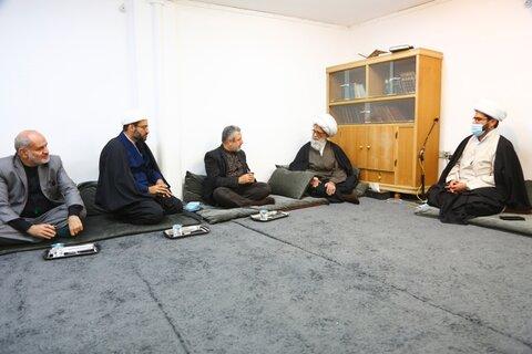 آية الله النجفي يستقبل قنصل جمهورية إِيران الإِسلامية في محافظة النجف الأَشرف
