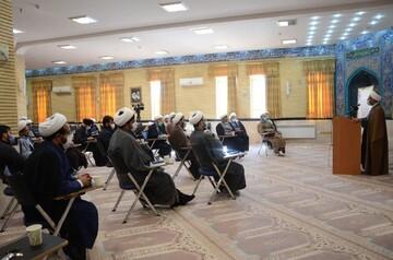 تصاویر / تجلیل از طلاب و روحانیون جهادی ایلامی فعال در عرصه مبارزه با کرونا