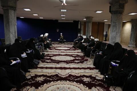 نشست اعضای کارگروه جمعیت معاونت تبلیغ و امور فرهنگی حوزههای علمیه با آیت الله اعرافی