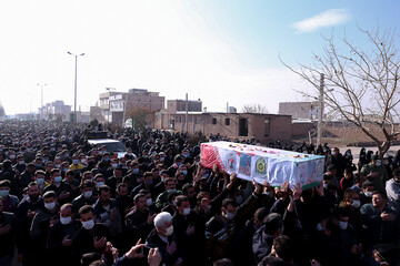 تصاویر / تشییع و تدفیبن شهید مدافع وطن در قزوین
