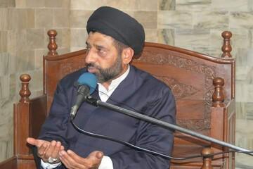 تحریم آستان قدس رضوی شرمآور است