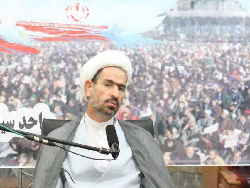 تصاویری از فعالیت های قرارگاه حوزه انقلابی در دهه بصیرت