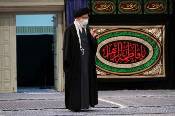 تصاویر / مراسم عزاداری شام شهادت حضرت زهرا (س) در حسینیه امام خمینی (ره) با حضور رهبر انقلاب