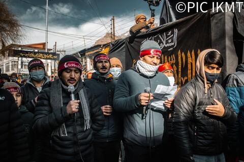 منفی 15 ڈگری ٹھنڈ کے باوجود کرگل میں ایام فاطمیہ کا انعقاد و ہزاروں کی تعداد میں عزاداروں  کی شرکت