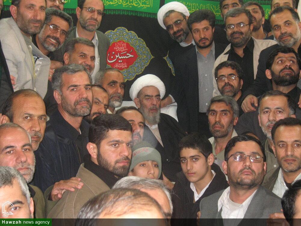 تصاویر آرشیوی از دیدار جمعی از سپاهیان با آیت الله العظمی فاضل لنکرانی(ره) در بهمن ماه ۱۳۸۵