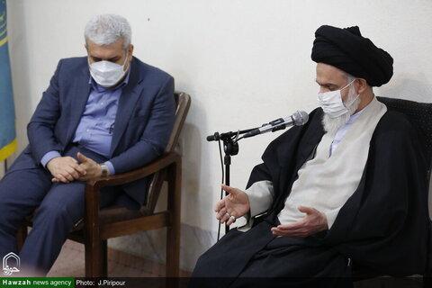 بالصور/ مساعد الرئيس الايراني للشؤون العلمية يلتقي بآية الله الحسيني البوشهري بقم المقدسة