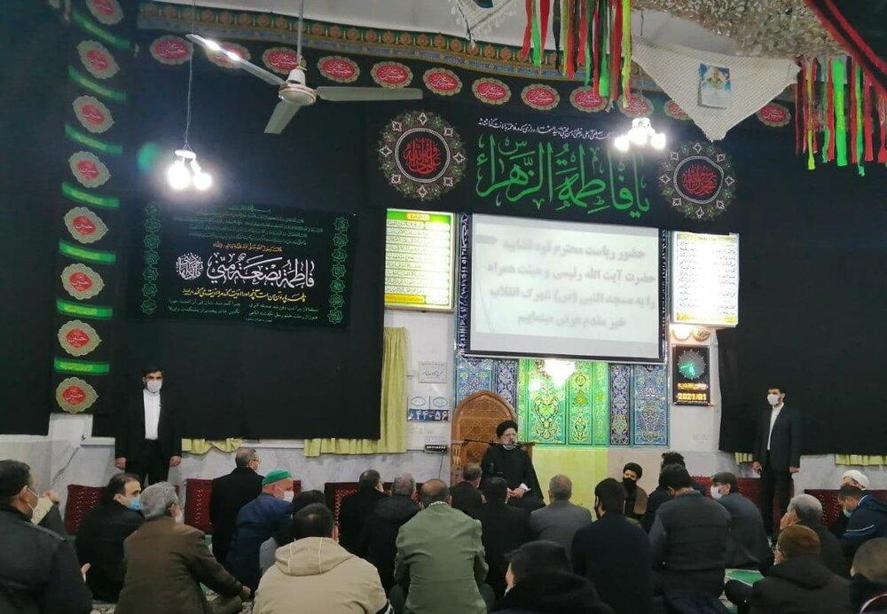 رئیس قوه قضائیه نماز را در مسجدالنبی (ع) شاهرود اقامه کرد | دیدار چهره به چهره رئیسی با نمازگزاران