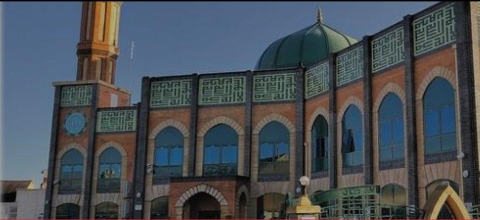 خدمات تشییع جنازه رایگان در مسجد برکشایر