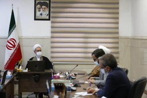 تصاویر / دیدار مدیران بخش بیمه مرکز خدمات حوزههای علمیه با آیت الله اعرافی