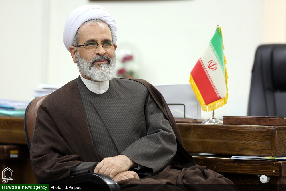تقدیر مدیر حوزههای علمیه کشور از گروه جهادی حضرت بقیه الله اندیمشک