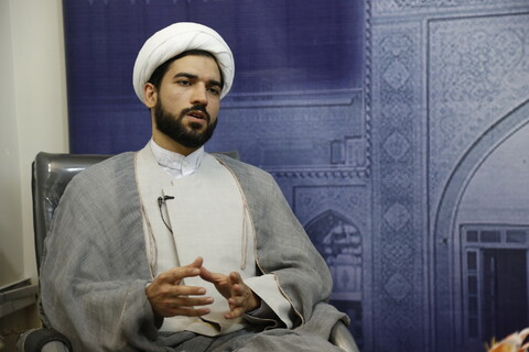 تصاویر/  مصاحبه با روحانی داور فوتبال