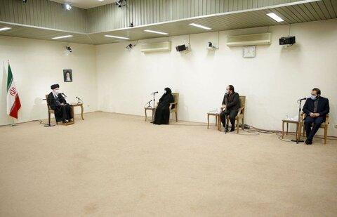 دیدار رهبر انقلاب با خانواده شهید فخری زاده