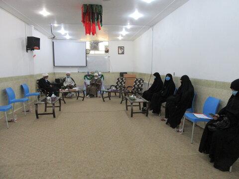 دیدار مدیر حوزه علمیه خواهران یزد و مسئولان مدرسه علمیه احمد آباد