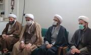 مدیر حوزه علمیه تهران به دیدار خانواده شهید طلبه رفت + عکس