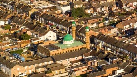 برنامه پخش اذان از بلندگوهای مسجد پیتربورو تصویب نشد