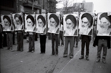 Islamic Revolution disrupted world's bipolar system
