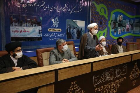 نشست صمیمی ورزشکاران حوزوی با آیت الله اعرافی