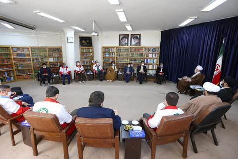 تصاویر/ دیدار دبیر کل جمعیت هلال احمر با آیت الله اعرافی
