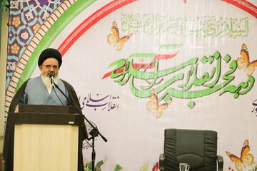 امام جماعت مدیر مسجد است