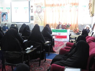 تصاویر / سلسله نشست های فرق و مذاهب در حوزه آذربایجان شرقی