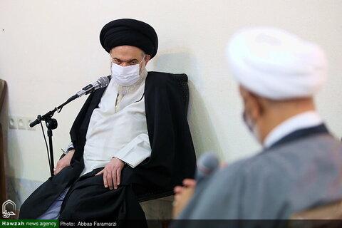 بالصور/ المتفوقون في مؤتمر كتاب الحوزة الدولي في نسخته الـ22 يلتقون بآية الله الحسيني البوشهري بقم المقدسة