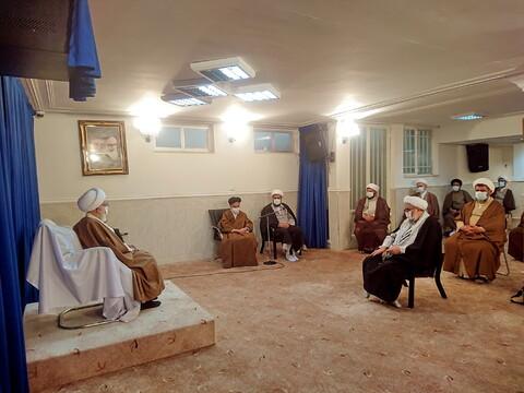 تصاویر/ دیدار ائمه جمعه استان همدان با آیت الله نوری همدانی