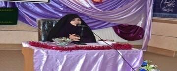 تجلیل از مادران سنندجی در همایش «شکوه مادری»
