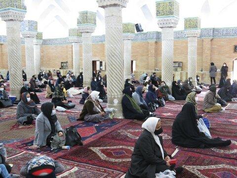 تصاویر/ برگزاری جشن میلاد حضرت فاطمه (س) در مسجد جامع سنندج