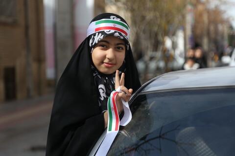 تصاویر/ راهپیمایی خودرویی ۲۲ بهمن قم -2
