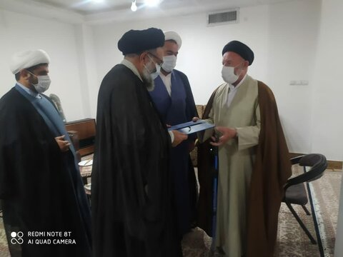 تجلیل از روحانیون مبارز