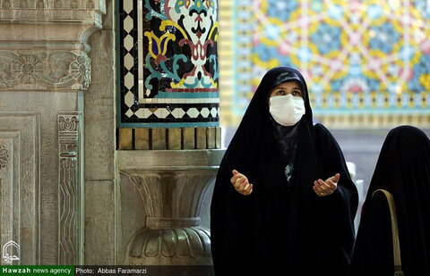 بالصور/ أجواء الحزن والأسى في حرم السيد فاطمة المعصومة (ع) في ذكرى استشهاد الإمام الهادي (ع) بقم المقدسة