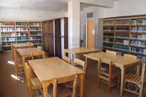بالصور/ افتتاح مكتبة الشيخ المفيد للعلوم الحوزوية المختصة في محافظة تشهارمحال وبختياري الإيرانية