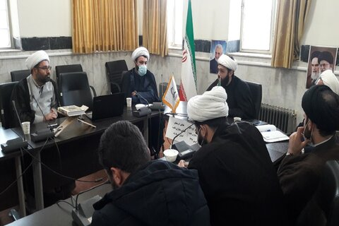 تصاویر/ نشست گروه های جهادی حوزه علمیه کرمانشاه