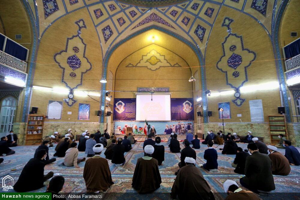 تصاویر/ نشست صمیمی جمعی از نخبگان حوزه با آیت الله اعرافی