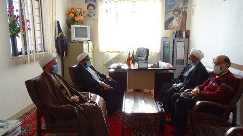 دیدار نمایندگان رئیس مرکز خدمات حوزه با امام جمعه سی سخت