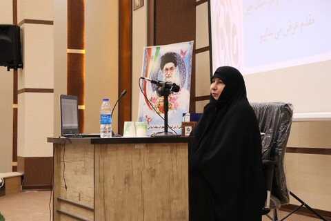 تصاویر/ همایش ملی «نقش زنان در تحقق بیانیه گام دوم انقلاب» در سمنان