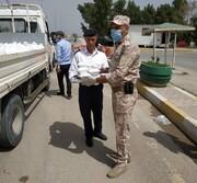 روضہ مبارک حضرت عباس (ع) کی جانب سے کورونا کے خلاف جنگ میں فرنٹ لائنز پر موجود سیکیورٹی فورسز کو فوڈ تقسیم