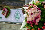 بالصور/ تحضير الآلاف من باقات الورود والأزهار استعدادا للاحتفال المرتقب بولادة أمير المؤمنين(عليه السلام )