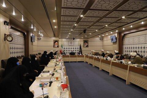 بالصور/ اجتماع المجلس العلمي والتربوي للحوزات النسوية في البلاد بقم المقدسة