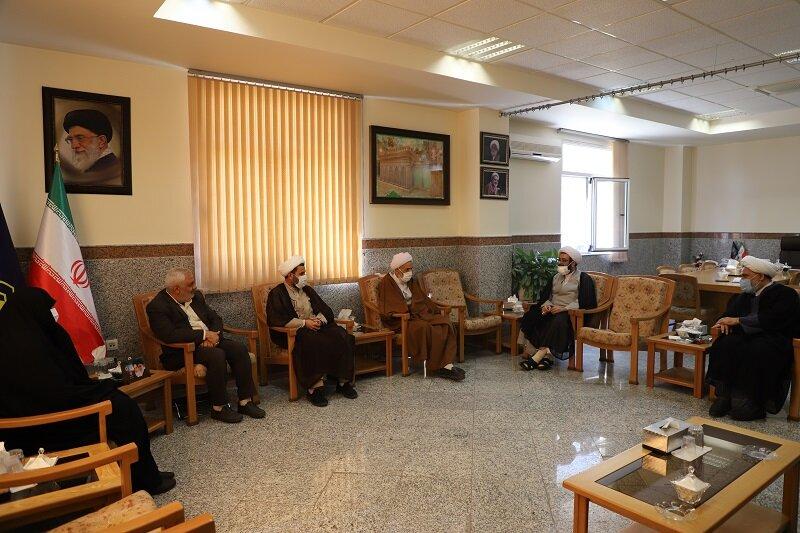 تصاویر/ دیدار نماینده ولی فقیه در استان مازندران با مدیر حوزههای علمیه خواهران
