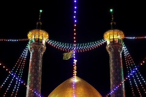 تصاویر/ حال و هوای حرم حضرت معصومه(س) در شب ولادت امام علی (ع)