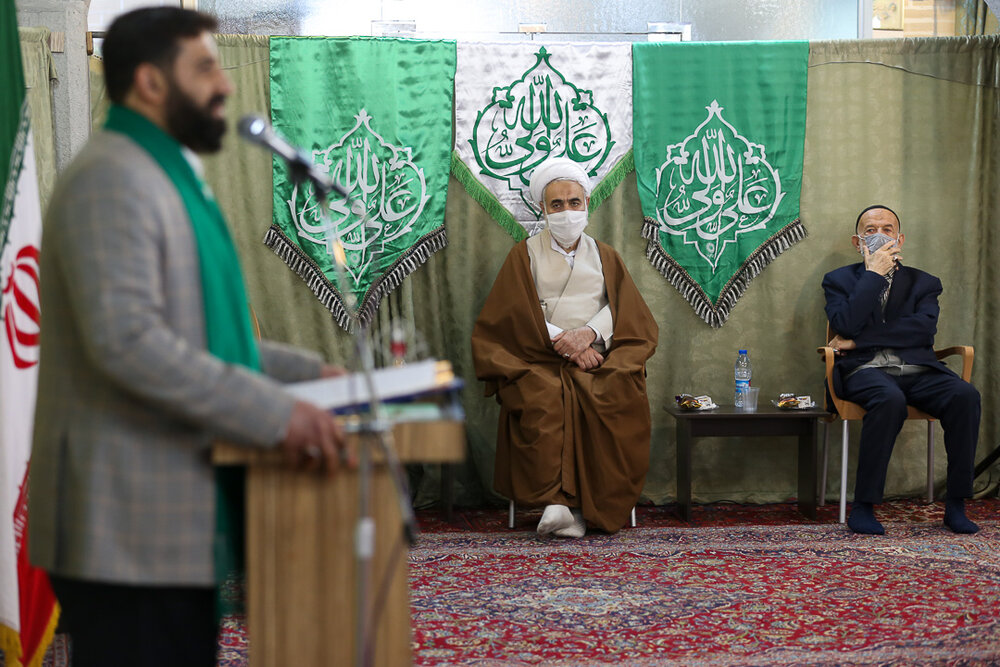 تصاویر / دیدار جمعی از ذاکرین اهل بیت با امام جمعه قزوین