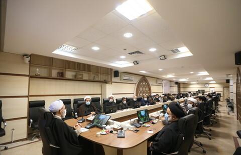 نشست مسئول و کارکنان دفتر برنامه ریزی و نظارت راهبردی حوزه با آیت الله اعرافی