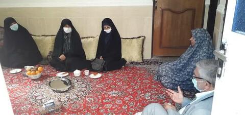 دیدار کارکنان مدرسه فاطمه الزهرا (س) کنگان با خانواده شهیده بانو پرکوهی