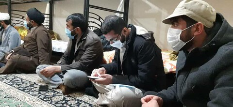 نشست صمیمی نماینده ولی فقیه با طلاب جهادی در سی سخت