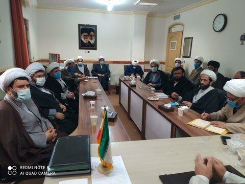 تصاویر/نشست اساتید، روحانیون و طلاب قروه ای با حجت الاسلام و المسلمین علی اصغر قائمی