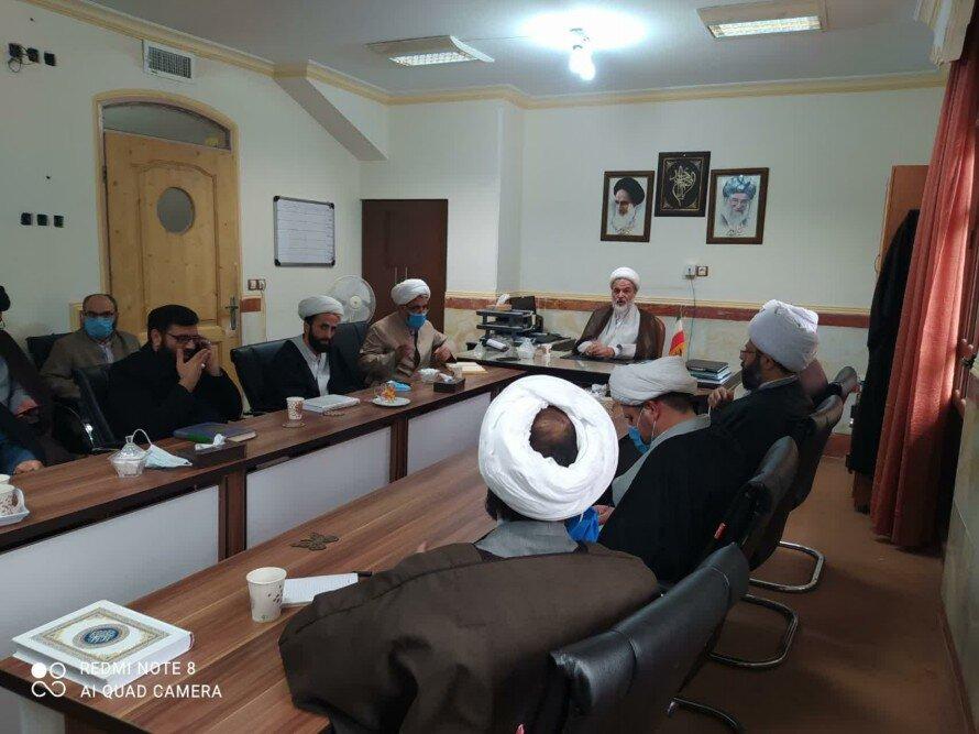 تصاویر/ دیدار طلاب و روحانیون قروه با استاد اخلاق حوزه حجت الاسلام والمسلمین قائمی