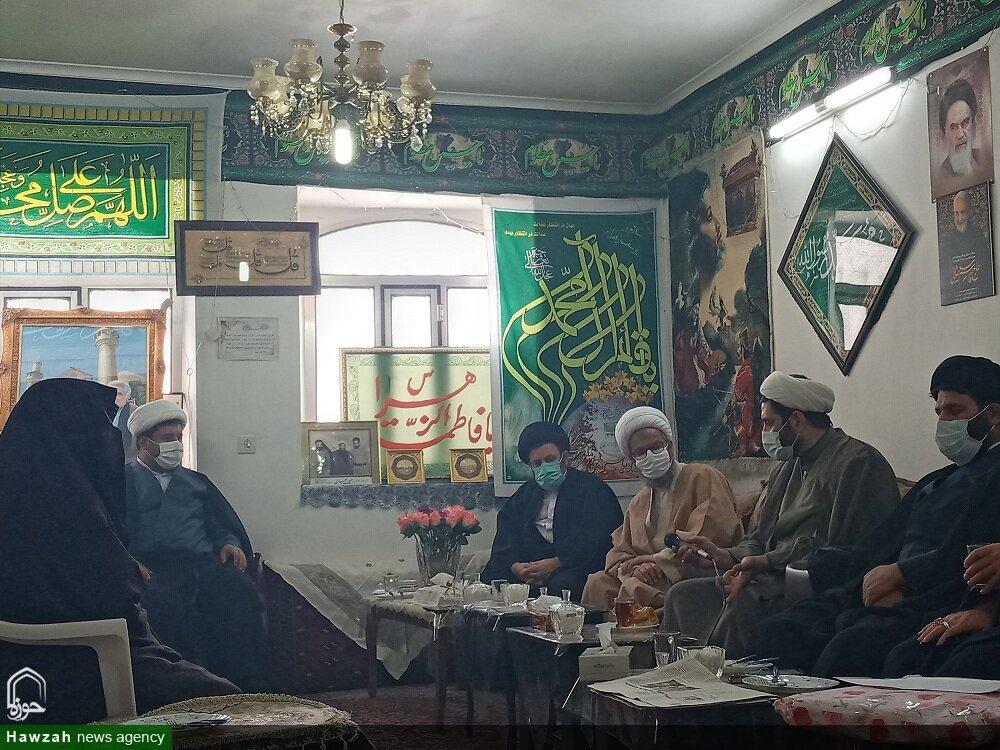 تصاویر/ دیدار مسئولان حوزوی استان سمنان با خانواده طلبه شهید حسین یحیایی