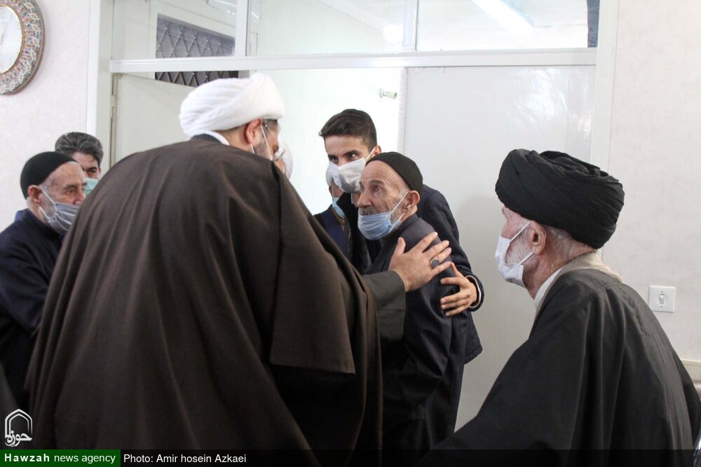 تصاویر/ تقدیر نماینده ولی فقیه در استان از روحانیون پیشکسوت همدانی